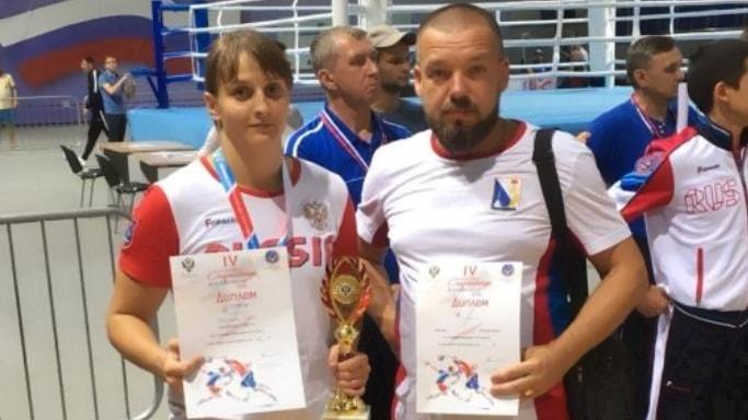 Елена Гапешина и тренер на Спартакиаде России 2018 по боксу