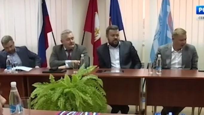 представители правительства, ГАУ ЦСП СКС, Управления по делам Молодежи и спорта на рабочей встрече 5 октября 2018 года