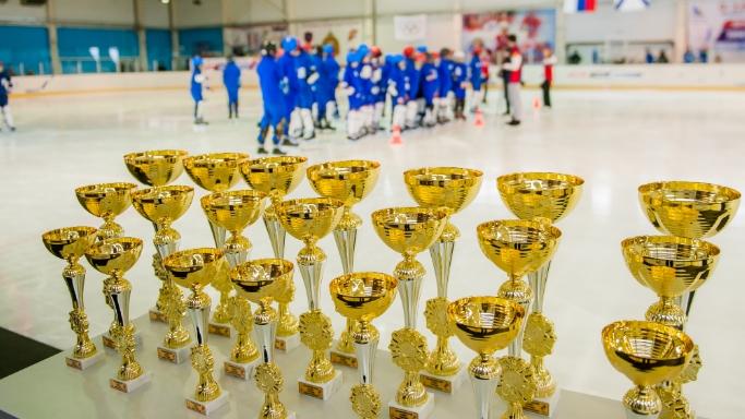 День зимних видов спорта 2019 года на ледовом катке Севастопольского кадетского училища