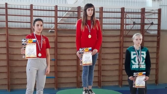 Победительница ЮФО по женской борьбе 2019 в весовой категории до 46 кг Бирюкова Анжелика