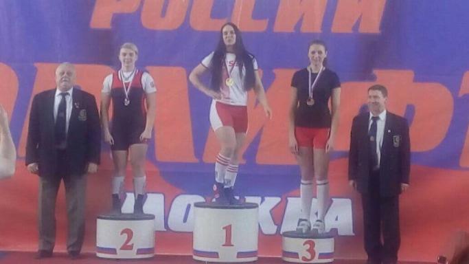 Екатерина Прокопова выиграла серебряную медаль на Чемпионата России по пауэрлифтингу в Москве, март 2019