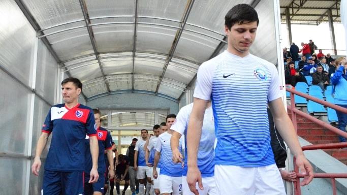 Выход на поле футболистов «Таврия» и ФК «Севастополь» в 16 туре КФС