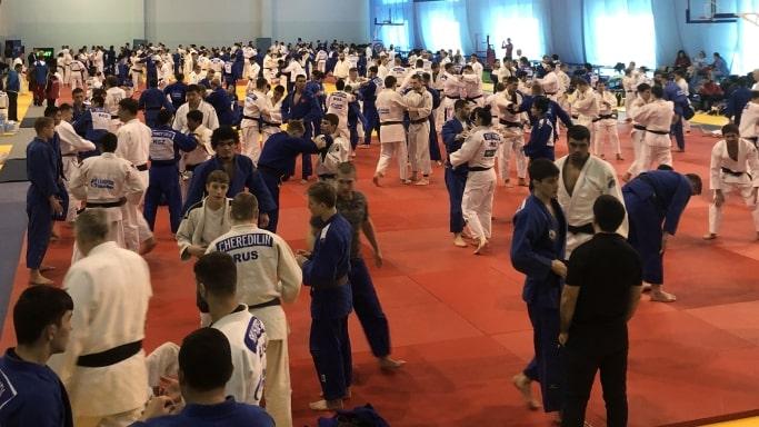 Набарывания в международном тренировочном лагере дзюдо в городе Екатеринбурге 18 - 21 марта 2019