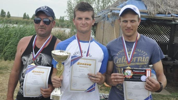Команда победитель Чемпионата Севастополя по рыбной ловле донной удочкой - село Шелковичное