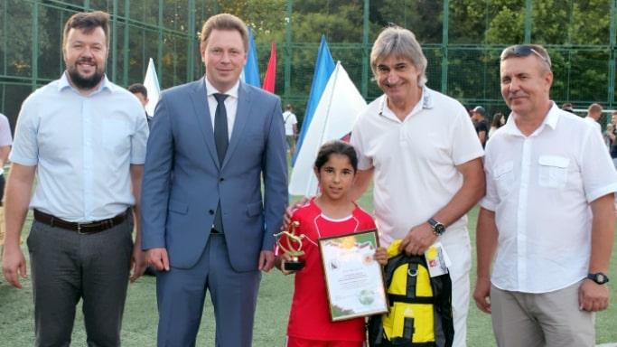 Дмитрий Овсянников наградил победителей футбольных турниров - 05-07-2019
