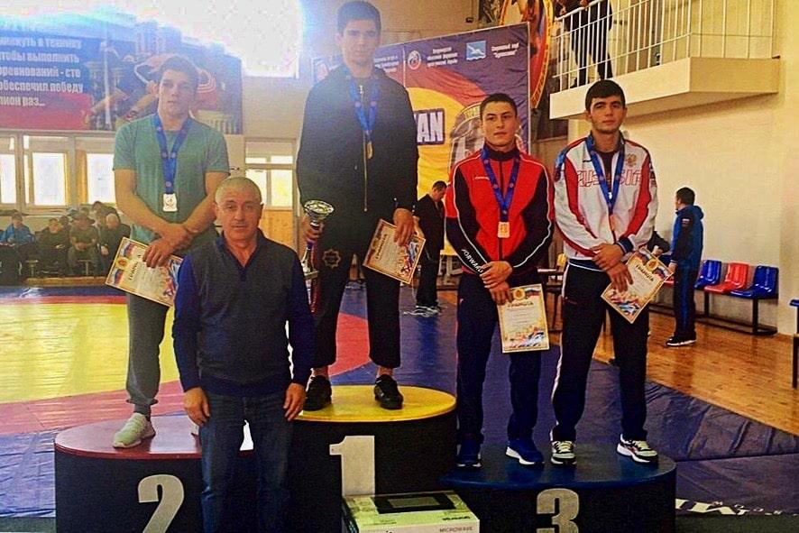 Ридван Османов завоевал бронзу Всероссийского борцовского турнира