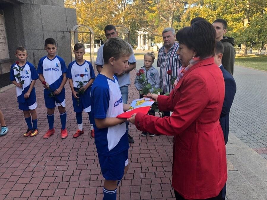 Вручение флага Севастопольской команда Победа