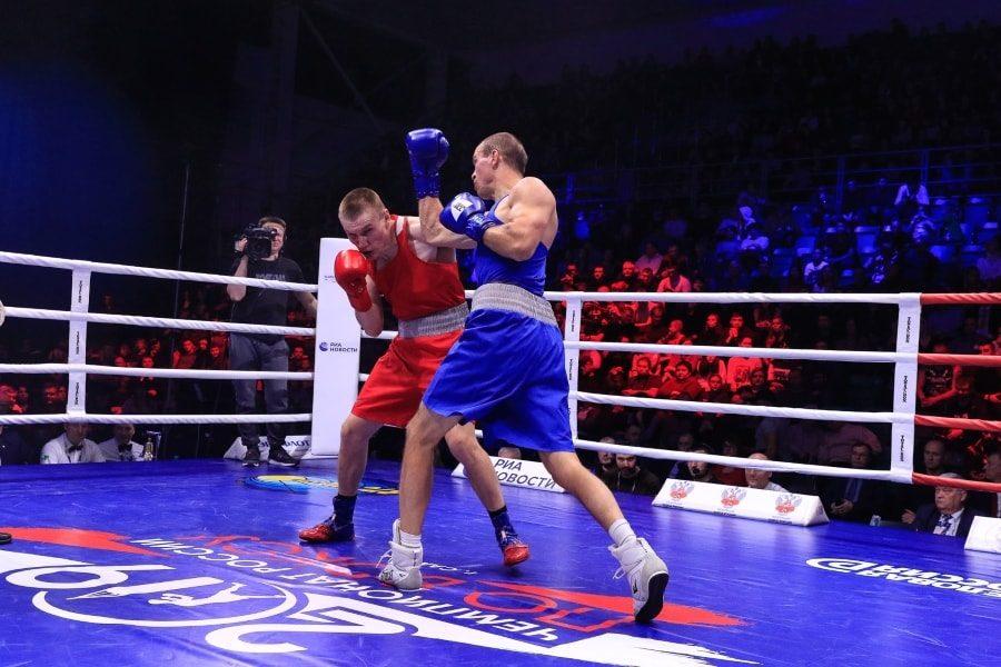 Максим Коптяков в финальном бое чемпионата России по боксу_2