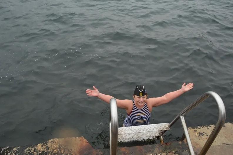 Участница 8 Международного слёта любителей зимнего плавания
