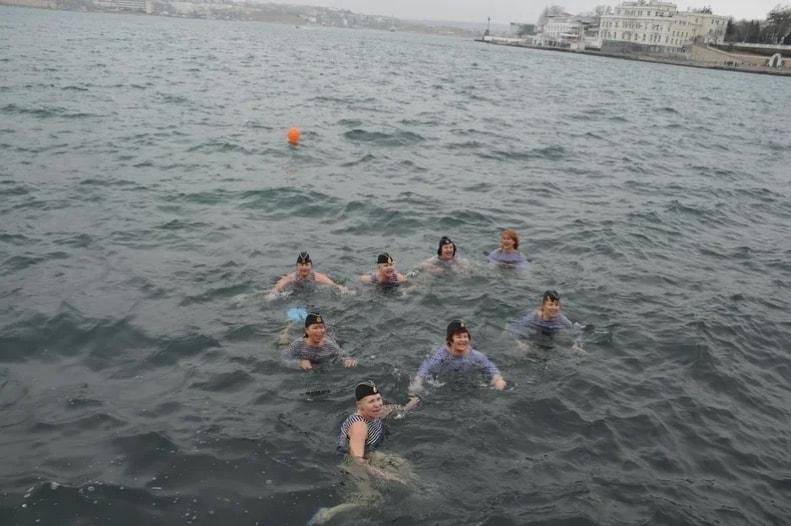 Участницы 8 Международного слёта любителей зимнего плавания