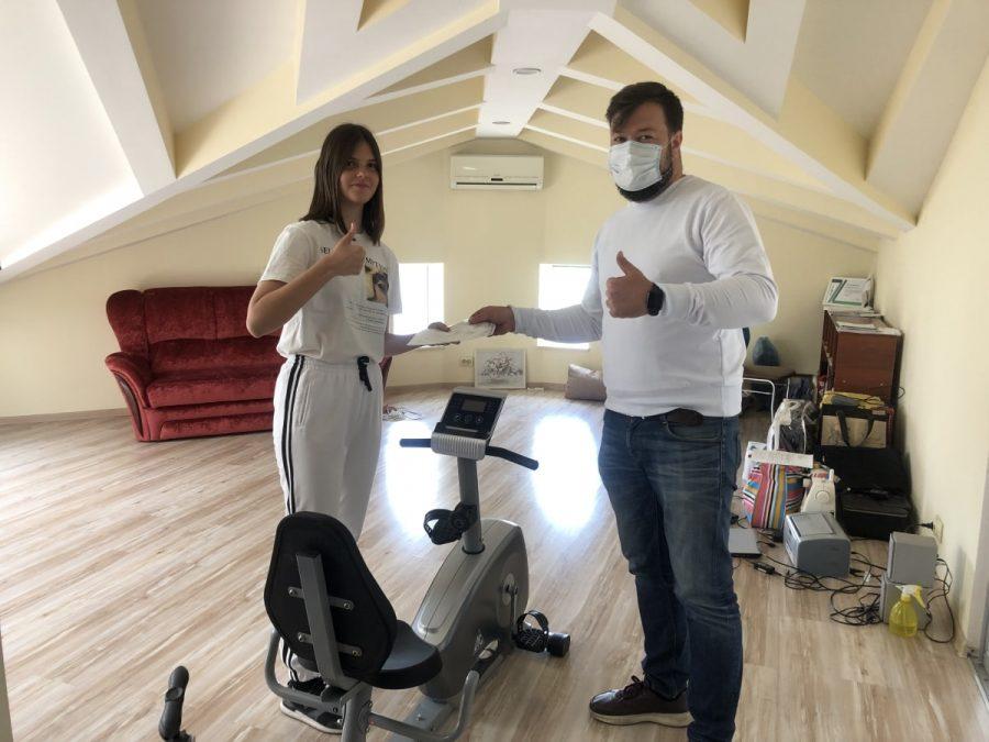 Сергей Резниченко и Полина Агапова — победительница конкурса видеороликов Тренируйся дома. Спорт — норма жизни
