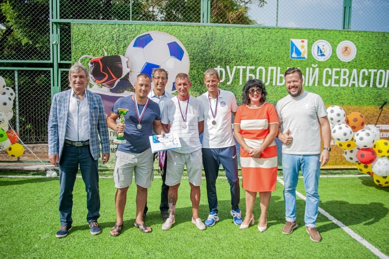 Команда «Зенит», 2 место в категории мужчины 46 лет и старше
