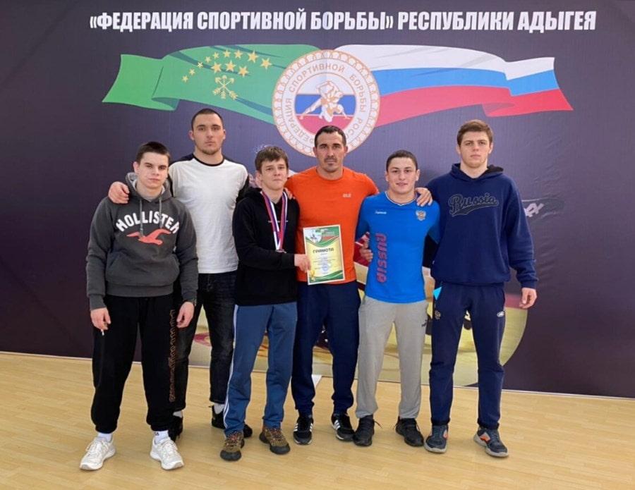 Команда Севастополя на Первенстве ЮФО 2021 по греко-римской борьбе