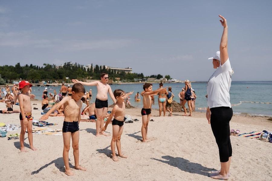 Акция Научись плавать на пляжах Севастополя для детей